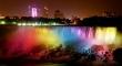 Những tòa nhà khắp nước Mỹ thắp sáng ăn mừng chiến thắng của hôn nhân đồng giới