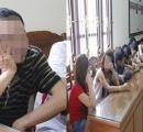 Đột kích nhóm nam nữ phê thuốc lắc trong quán karaoke
