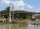 Cầu mới khánh thành 12 ngày đã sập