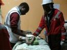 Kỳ diệu: Bé gái 18 tháng sống sót sau 4 ngày trong đống đổ nát của tòa nhà bị sập