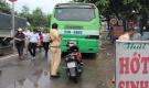 Va chạm với xe buýt, một nữ sinh năm 4 bị cán tử vong
