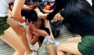 Khởi tố nhóm phụ nữ tổ chức đánh ghen thiếu nữ giữa phố