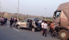 Vụ container tông xe innova lùi trên cao tốc: Vợ tài xế container xin 2000 chữ ký để kêu oan