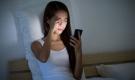 Dùng điện thoại trước khi đi ngủ cần đặc biệt chú ý điều này để tự bảo vệ mình, nhất là điều số 2