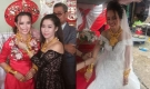 Hoa mắt trước cảnh cô dâu Hậu Giang đeo 129 cây vàng trĩu cổ kín tay
