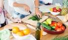 Người phụ nữ bị ung thư thực quản, BS nói 2 kiểu ăn uống này của cô rất có hại