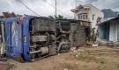 Kết quả giám định xe giường nằm lật tại Nha Trang: Lốp bị nổ sau khi phanh