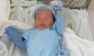 Bé trai sơ sinh nặng 3,5 kg bị bỏ rơi trước cửa nhà dân