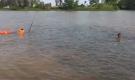 Tìm kiếm thi thể người đàn ông bị nước cuốn trôi khi tắm sông Lèn