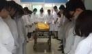 Nữ y tá 25 tuổi chết vì ung thư, hành động cuối khiến mọi người phải cúi đầu