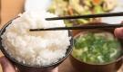 Thói quen ăn cơm khiến bạn dễ mắc bệnh dạ dày nhất là điều thứ 2 nhiều người mắc phải