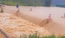 Lâm Đồng: Nước lũ cuốn trôi 4 du khách, 2 người mất tích