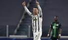 Vượt mặt Messi, Ronaldo giành giải 'Bàn Chân Vàng 2020'