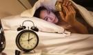 Đừng để 5 thứ này đầu giường nếu không muốn bị rụng tóc, khó ngủ, sức khỏe ngày một suy kiệt