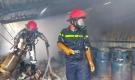 Cháy lớn ở cửa hàng gas, khói và lửa bốc cao hàng chục mét