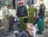 http://xahoi.com.vn/hang-chuc-nguoi-dan-tham-gia-bat-cuop-ngay-trung-tam-sai-gon-200473.html