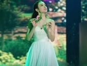 http://xahoi.com.vn/angela-phuong-trinh-duoc-goi-la-cong-chua-tren-song-truyen-hinh-202743.html