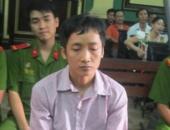 http://xahoi.com.vn/tat-axit-noi-am-anh-kinh-hoang-sau-guong-mat-quy-du-212432.html