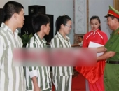 http://xahoi.com.vn/nu-sinh-sat-hai-nguoi-tinh-tren-xe-lexus-duoc-dac-xa-215551.html