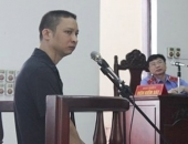 http://xahoi.com.vn/nhieu-diem-mo-trong-vu-chong-sat-hai-vo-dang-mang-bau-215569.html