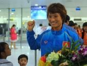 http://xahoi.com.vn/nu-tuyen-thu-vui-mung-tro-ve-sau-tran-thang-thai-lan-216660.html