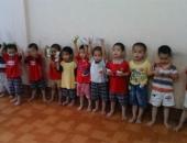 http://xahoi.com.vn/quang-ninh-xon-xao-hinh-anh-12-be-trai-bi-bat-coc-khong-tim-duoc-cha-me-219187.html