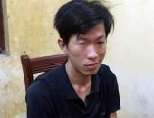http://xahoi.com.vn/canh-sat-vay-bat-thanh-nien-ngao-da-chay-tren-noc-nha-219172.html