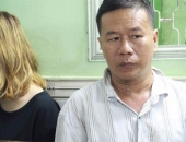 http://xahoi.com.vn/nu-quai-cung-dong-bon-du-khach-nuoc-ngoai-vui-ve-roi-cuop-tai-san-o-sai-gon-232029.html