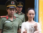 http://xahoi.com.vn/5-cau-hoi-dat-ra-trong-vu-hoa-hau-phuong-nga-233180.html