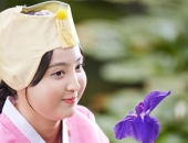 http://xahoi.com.vn/boc-me-nhan-sac-that-cua-nang-cong-chua-beo-nhat-man-anh-han-240683.html