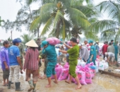 http://xahoi.com.vn/quang-nam-hang-tram-ho-dan-dang-bi-co-lap-vi-lu-242999.html