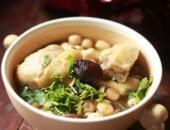 http://xahoi.com.vn/ga-ham-hat-sen-thom-ngon-bo-duong-cho-ca-nha-252175.html