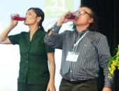 http://xahoi.com.vn/lanh-dao-doanh-nghiep-uong-thuoc-diet-co-truoc-hang-tram-nguoi-260133.html