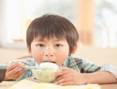 http://xahoi.com.vn/nhung-mon-co-chet-doi-me-cung-khong-cho-con-an-buoi-sang-260234.html