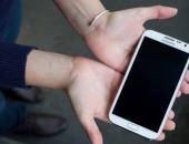 http://xahoi.com.vn/mat-toi-dang-so-dang-sau-nhung-chiec-smartphone-ban-dang-dung-hang-ngay-285886.html