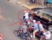 Nhóm thanh niên dùng súng đồ chơi, bình xịt hơi cay khống chế cướp táo tợn ở Sài Gòn