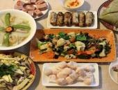 http://xahoi.com.vn/co-nen-cho-tre-thu-loc-cac-mon-an-trong-ngay-tet-292725.html
