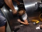 8 bí quyết sống còn mà bạn cần phải nằm lòng khi thang máy gặp sự cố