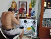 http://xahoi.com.vn/co-mot-tinh-yeu-dam-sau-dang-sau-cu-ong-86-tuoi-ngay-nao-cung-ngoi-an-com-ben-di-anh-nguoi-vo-da-khuat-302112.html