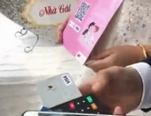 Tranh cãi dữ dội đám cưới mừng tiền bằng cách quẹt thẻ ở Hà Nội
