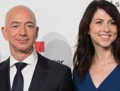 """Jeff Bezos tiếp tục cho Bill Gates """"hít khói"""", trở thành tỷ phú giàu nhất lịch sử đương đại"""