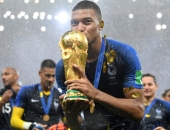 Kylian Mbappe: Vô địch World Cup và thay thế Messi, Ronaldo?