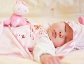 Những nguy hại khôn lường khi cho trẻ sơ sinh nằm gối mẹ nên biết để tránh ngay
