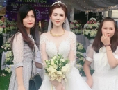 Cô dâu chú rể rạng rỡ trong đám cưới khủng, chi gần 1 tỷ đồng dựng rạp và mời cả ca sĩ Ngọc Sơn về biểu diễn
