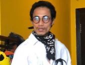 http://xahoi.com.vn/rocker-pham-anh-khoa-mat-hoc-hac-gay-tro-xuong-sau-scandal-bi-to-ga-tinh-tuc-tiu-317685.html