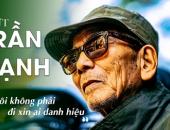 NSƯT Trần Hạnh ngồi bán mũ ở ga Hà Nội: 'Chí Trung xin tiền hộ, tôi chẳng biết nói sao'