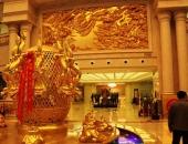 Cuộc sống xa xỉ dát vàng của ngôi làng toàn đại gia ở Trung Quốc