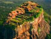 Thành phố cổ chênh vênh trên đỉnh tảng đá khổng lồ