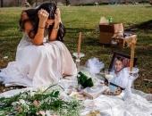 Cô dâu ngồi gục khóc nức nở bên mộ chú rể và câu chuyện đau đớn phía sau