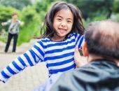 Không phải tiền, đây là 4 tài sản vô giá cha mẹ dành tặng con càng nhiều càng tốt